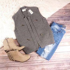 Neiman Marcus exclusive cashmere utility vest~013